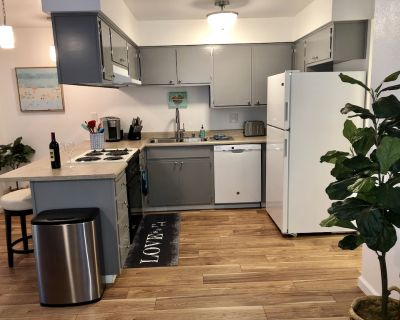 Contemporary 2-Bedroom near Downtown Chico - Chico