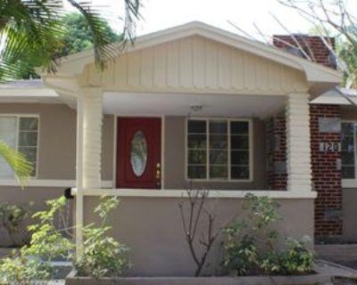 120 19th Ave N, St. Petersburg, FL 33704 3 Bedroom House