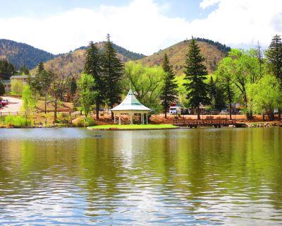 CASCADE MOUNTAIN RETREAT*GREAT VIEWS* LOCATION*10 MI WEST FROM COLORADO SPRINGS - Old Colorado City