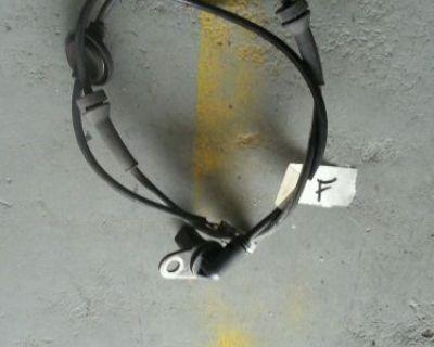 00-04 Infiniti I35 Nissan Maxima Right Passenger Front Abs Speed Sensor Brake