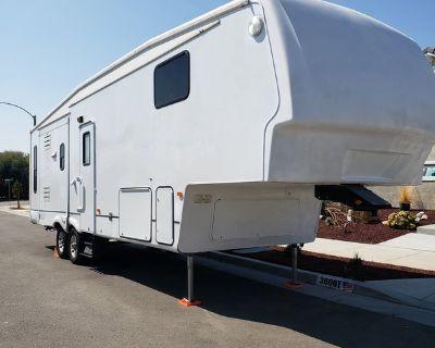 2007 Keystone Montana M3075