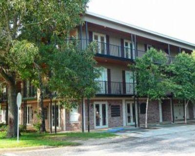 100 N Bancroft St, Fairhope, AL 36532 2 Bedroom Apartment