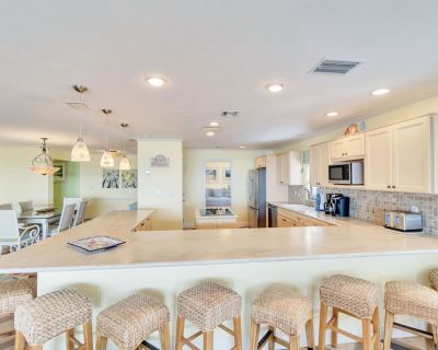 Stunning Huge Gulf front condo on west end! - Sanibel