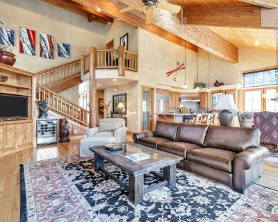 Ski-In Ski-Out Deer Valley Home, Free Daily Housekeeping Services Included - Park City