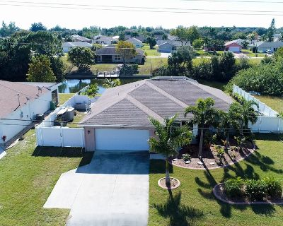 Pool, Spa, Office all included - Cape Coral