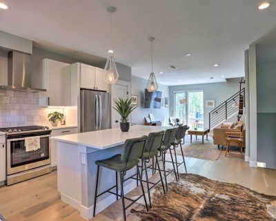 NEW! Luxe Sloan's Lake Townhome w/ Rooftop Hot Tub - West Colfax