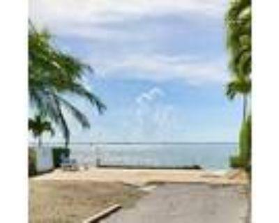 Deluxe Ocean Front Lot in Resort - for Rent in Cudjoe Key, FL