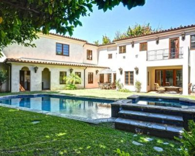 Cozy and Private Spanish Compound in Hollywood, Los Angeles, CA