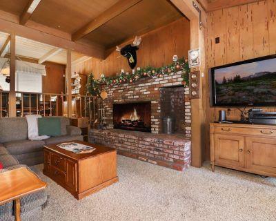 Moose Meadows: Near the Lake! Close to the Village! Deck! Propane Grill! Pet Friendly! - Big Bear Lake