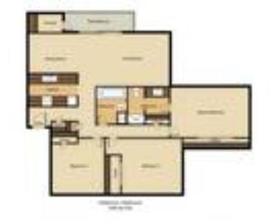 The Redwoods Apartments - 3 Bedroom 2 Bathroom