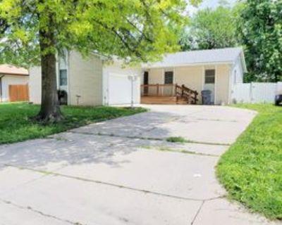 346 N Shefford St #1, Wichita, KS 67212 3 Bedroom Apartment