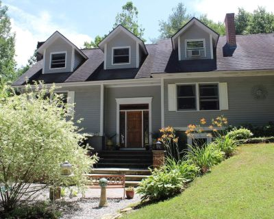 New England Family Home with Hot Tub and Pool - New Marlborough