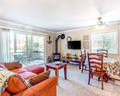 Comfy Mountain Getaway W/ Lake Access Nearby, Free WiFi, Private Balcony & More! - Incline Village