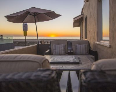 Ocean Front Family Beach House, steps from the sand! - Mission Beach