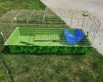 Guinea Pig / Rabbit Cage *like new*