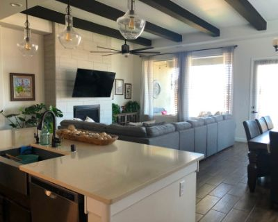 Airy, Natural Light Filled Space, Rio Rancho, NM