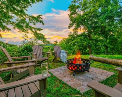 NEW-view-hot tub-fire pit-10 min to Dollywood-KID FRIENDLY - Pigeon Forge