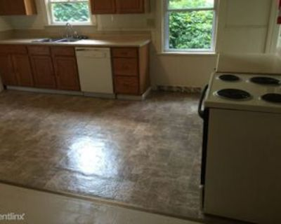 241 241 N Thomas St 1B, Bellefonte, PA 16823 3 Bedroom Apartment