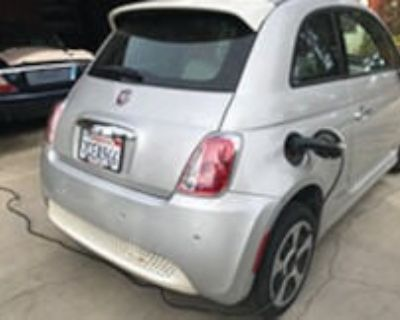 Fiat 500e. 2013 like new 22200 miles electric leather $5900
