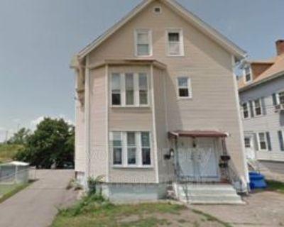 16 Fruit St #1F, Pawtucket, RI 02860 1 Bedroom Condo