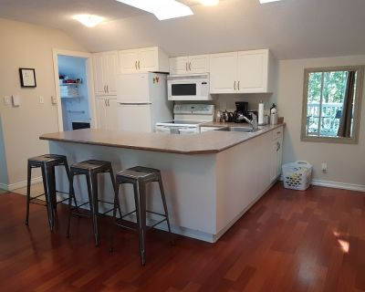 Self Contained, Comfortable Carriage House - Errington