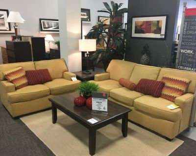 Cruze 7 Piece living room set
