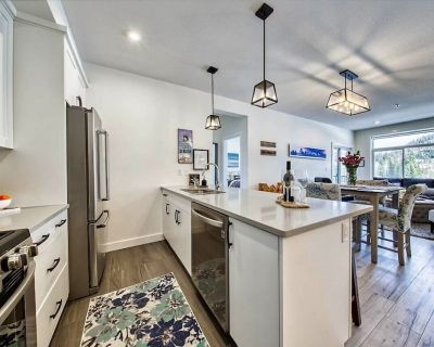 """Spacious and gracious mountain """"home away from home"""" - Sun Peaks"""