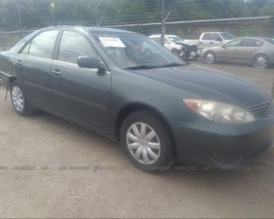 Salvage Green 2005 Toyota Camry
