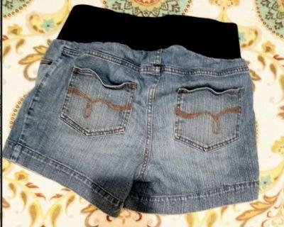 Motherhood maternity jean shorts size medium