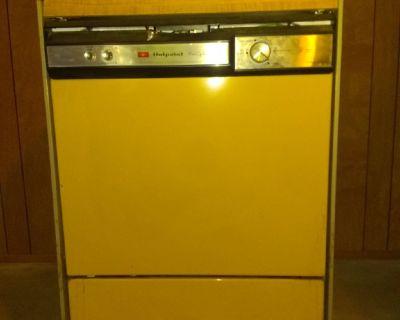 Hotpoint Free-Standing Dishwasher
