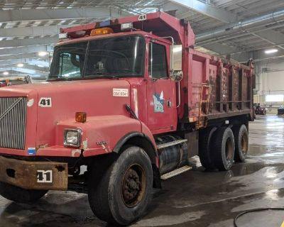 2000 VOLVO WGM Dump Trucks Truck