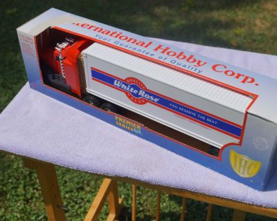 Toy Truck White Rose Premier Series Limited Edition Collectable Truck