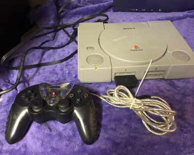 Sony Play Station with 1 Game