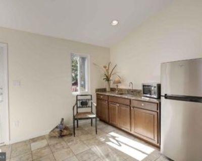 Merlins Ln, Herndon, VA 20170 1 Bedroom Condo