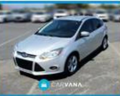2014 Ford Focus Silver, 13K miles