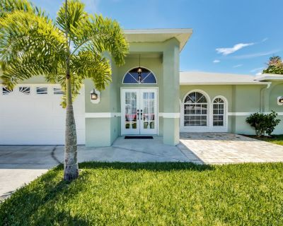 Casa Coral Breeze, beautiful rental vacation home located in south Cape Coral - Pelican