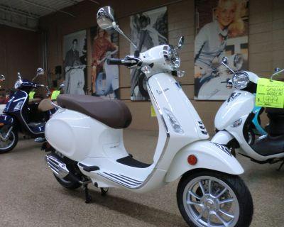 2022 Vespa Primavera 50 Scooter Downers Grove, IL