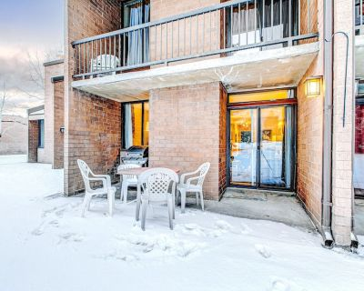 Golf Course Front Condo w/Shared Outdoor Pool, Hot Tub, W/D, High-Speed WiFi - Downtown Park City
