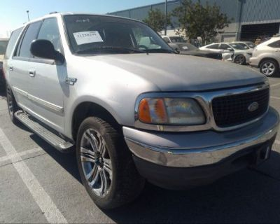 Salvage Silver 2002 Ford Expedition