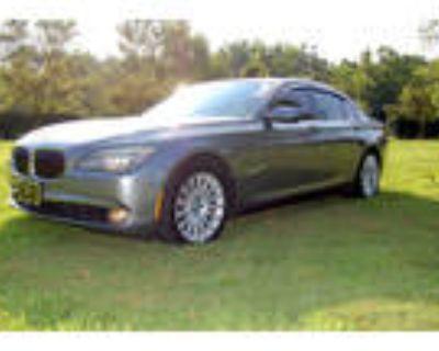 2012 BMW 7-Series SWB xDrive
