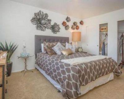8200 N Laurelglen Blvd, Bakersfield, CA 93311 3 Bedroom Apartment