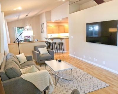 Beautifully Remodeled End of Street Home Getaway - Chico