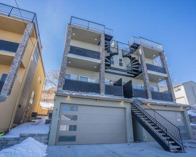 4BR Mnt Views Modern Urbanity Rooftop Patio - Old Colorado City