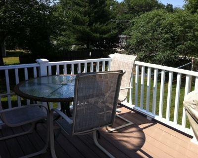 Newly Remodeled! Great 5 Bedroom in Beautiful Bonnet Shores, Narragansett R - Bonnet Shores