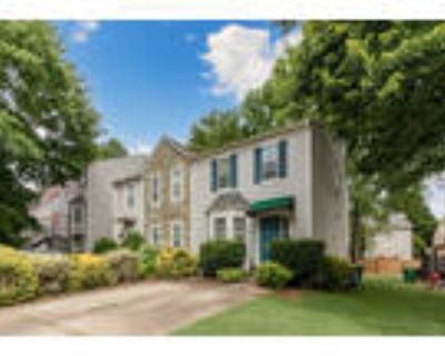 RARE END UNIT with NO HOA = FREEDOM! PERFECT Find for the GOOD DEAL HUNTER o...