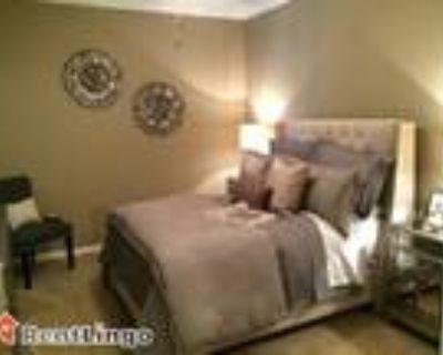 2 bedroom 2500 Dauphinwood Dr.