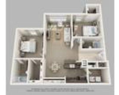 Crown Ridge Apartments - 2 Bedroom & Den