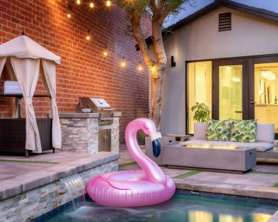 Heated Pool & Jacuzzi Located In LA. Cozy Home With Privacy. - Los Angeles