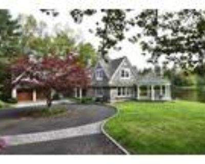 New Canaan 4BA, legant shingle style 4-5 bedroom country