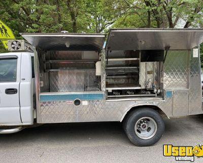 2001 - 18'.5' GMC Sierra Lunch Serving / Canteen-Style Food Truck